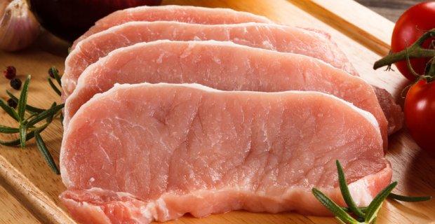 На ростовских рынках нет мяса, потому что не хватает скотобоен