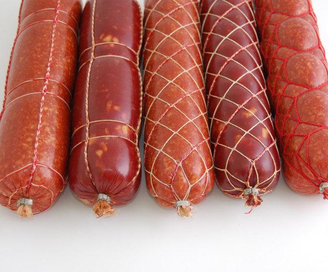 Перевязка колбасы верёвкой, прихоть или необходимость?